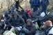 Átadták a horvát hatóságoknak a Bóly és Borjád között pénteken elcsípett migránsokat