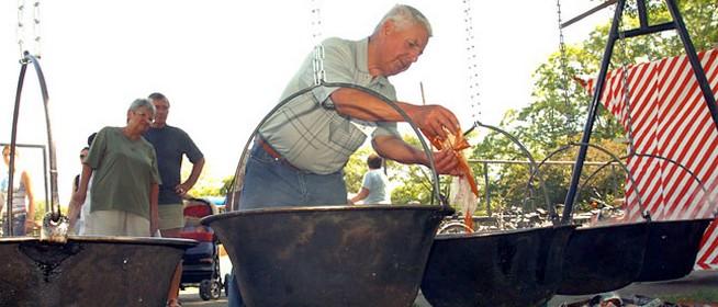 Most is messzire szállhat az illata - szombaton akár 1500-an is főzhetnek halászlevet Mohácson
