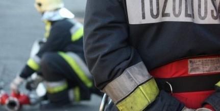 Beszakadt egy út Dunaszekcsőn, közművek is megsérültek, szivárgott a gáz