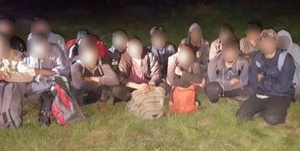 Idegenek az éjszakában: 17 migránst fogtak el Sátorhely közelében a határvédők