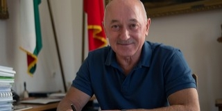 Napra pontosan húsz esztendeje irányítja Mohácsot Szekó József polgármester