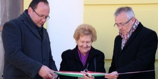 Átadták a teljesen felújított kölkedi védőnői szolgálat és a nyugdíjasklub épületét