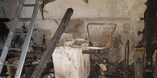 Teljesen kiégett a gumis műhely Mohácson, a Felszabadulás utcában
