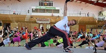 Vasárnap jön a harcosok napja: több száz sportolni vágyót várnak a Városi Sportcsarnokba