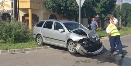 Két autó ütközött Mohácson, egy ember megsérült