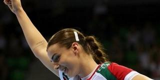 A friss Eb-győztes, Schatzl Natalie álma, hogy nővérével játszhasson egy csapatban