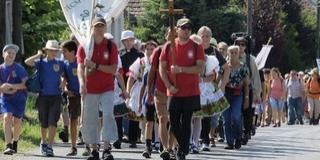 Több százan zarándokoltak gyalogosan Mohácsról és Bátaszékről Bátára