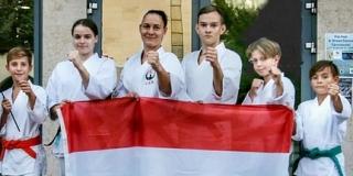 Öt ifjú mohácsi karatéka is magyar válogatottként képviseli városunkat az Eb-n