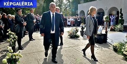 Többezres tömeg búcsúztatta Szekó Józsefet, Mohács polgármesterét - Képgaléria!