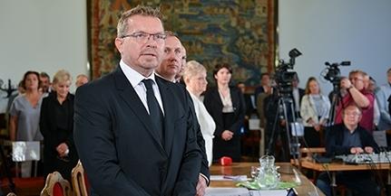 Jutalmat kap az önkormányzatnál dolgozók többsége - Csorbai számára nem szavazták meg a százezreket