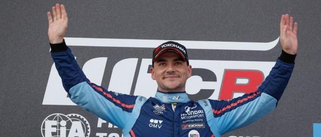 Óriási siker kapujában: Michelisz Norbert világbajnok lehet a hétvégén
