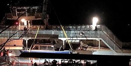 Megjavítása után eladnák a nemrég – eddig ismeretlen okból – elsüllyedt mohácsi vízitaxit