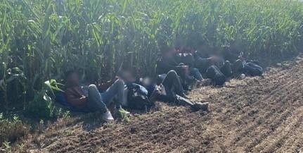 Jönnek és jönnek: megint Lánycsóknál fogtak migránsokat