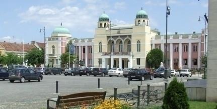 Lezajlott az átadás-átvétel Mohácson, Csorbai Ferenc iratokat vitt vissza a városházára
