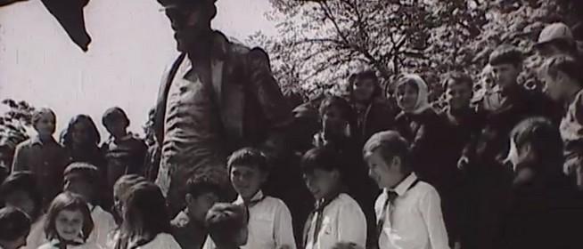 Harminc éve szabadították meg Mohácsot Lenin szobrától, 16 évvel felavatása után - Videó!