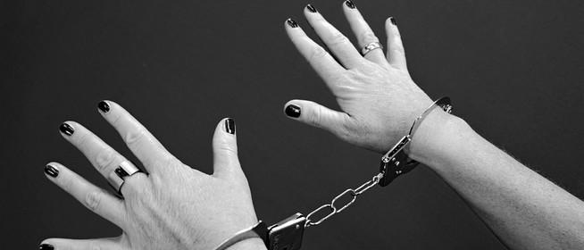Megkéselt egy nő egy másikat Mohácson, majd megpróbált elmenekülni