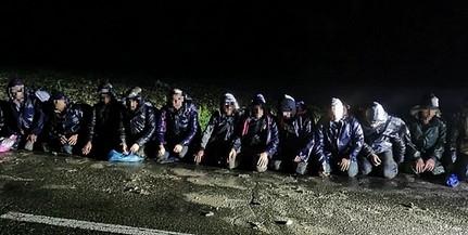 Vadkamera buktatott le a Mohácsi-szigeten migránsokat - Két nagy csoportban jöttek