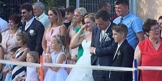 Négylábú menyasszony és vőlegény volt a meglepetés egy babarci lagzin - Videó!