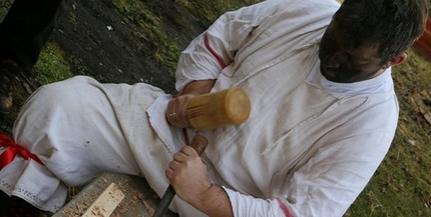 Vette az akadályokat: népi iparművész címmel ismerték el Rózsahegyi Olivér maszkfaragót