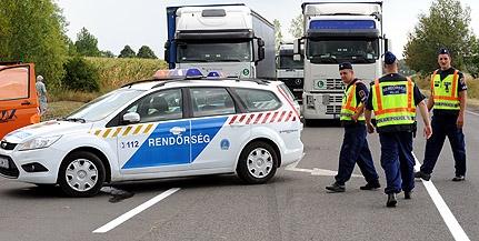 Kisteherautó és kisbusz ütközött Kozármisleny közelében