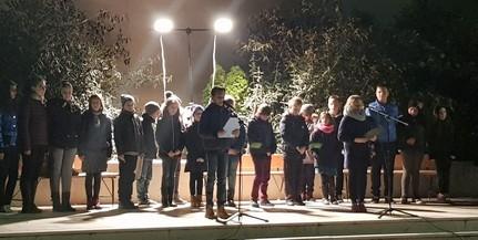 Lovasok és zenészek kísérték a Márton-napi felvonulókat