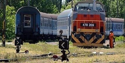 Kisiklott egy vonat, lezárták a Déli Pályaudvart