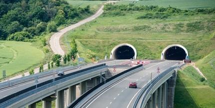 Szerdán este lezárják az alagutakat az M6-oson, terelőúton haladhat csak a forgalom