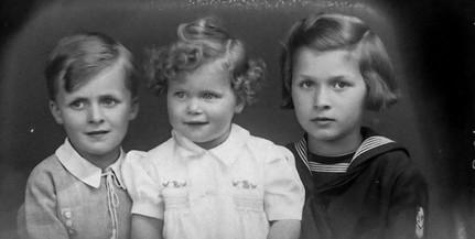 Több ezer, a két világháború között készült fényképnegatív került elő egy pécsi padlásról