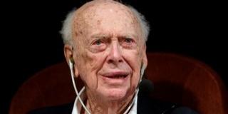 Minden címétől megfosztották a Nobel-díjas James Watsont