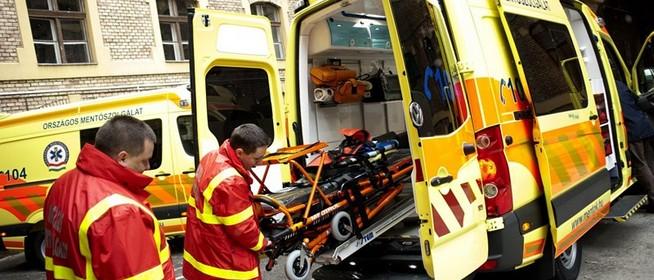 Botrányt csinált egy buszsofőr, miközben a mentők egy idős asszony életéért küzdöttek