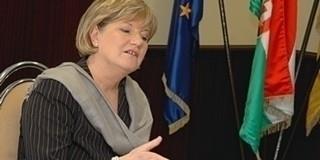 Szili Katalin: számunka a haza a magyar nyelv