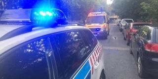 Ököllel esett neki a mentőautónak egy meztelen dühöngő