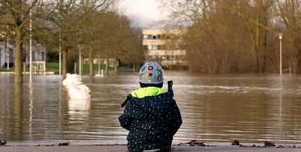 Csaknem 350 kilométeren van árvízvédelmi készültség