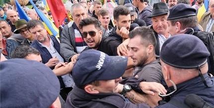 A románokhoz - Nézem az eltorzult arcaitokat, és tudom, hogy nem ilyenek vagytok