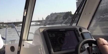 Helikopterekkel, drónokkal, hajókkal is keresik az áldozatokat