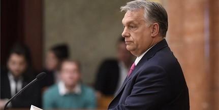 Megzavarta Hadházy Orbán Viktor parlamenti felszólalását