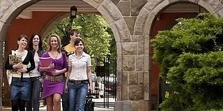 Új egyetemi képzések indulnak Pécsett