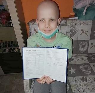 Jó hírek érkeztek a mohácsi kisfiúról, Berki Nikolaszról - Eddig hatásosnak bizonyult a kezelés