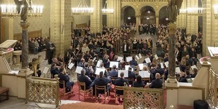 Több mint harminc programmal készül a Pécsi Egyházmegye a karácsonyra
