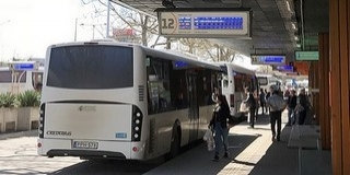 Másképp járnak a vonatok és a buszok az év végi ünnepek időszakában
