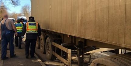 Mérleg: teherautókat és buszokat ellenőriztek Baranyában