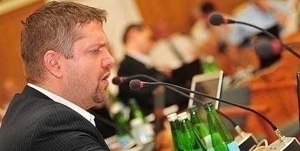 Tóth Bertalan kiakadt a DK személyzeti politikája miatt