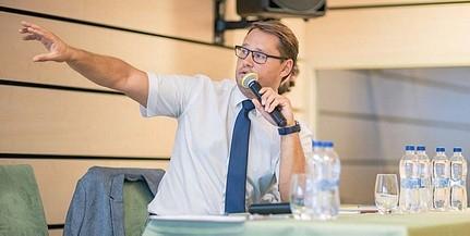 Jakab Ferenc, a PTE professzora vezeti a koronavírus-kutatócsoportot