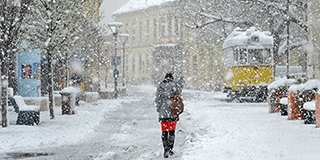Tovább gyarapodhat a hóréteg, feltámad a szél, hófúvásra figyelmeztet a meteorológia