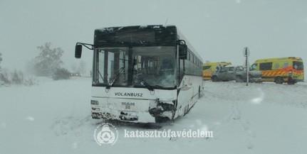 Autóval ütközött egy menetrend szerinti busz Baranyában