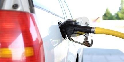 Tovább csökken pénteken a benzin ára a magyar kutakon