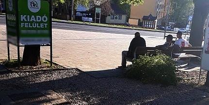 Leszerelték és elszállították a padokat Pécs belvárosából