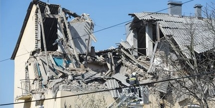 Robbanásban megsemmisült egy társasház felső szintje