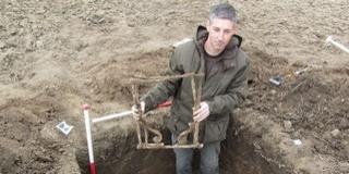 Ritka, római kori összecsukható vasszék került elő egy Bóly környéki ásatáson