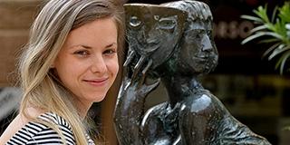 A népszerű pécsi színésznőt, Vlasits Barbarát már az M5-ön is láthatjuk műsort vezetni